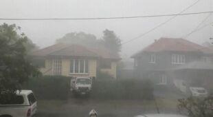 Silny wiatr i ulewy w Australii